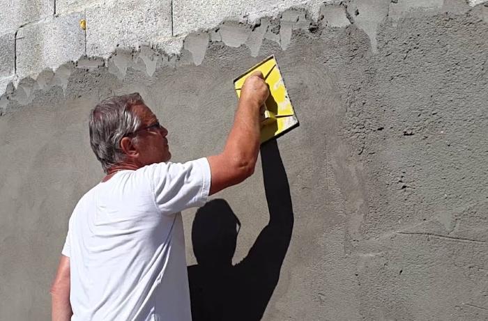 image-application-enduit-ciment-1